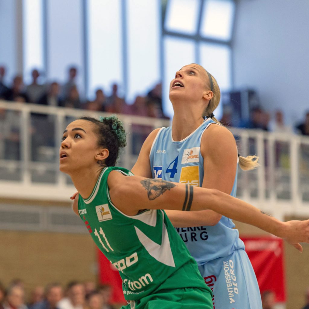 Pokal-Nachholspiel in Düsseldorf